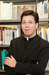 Fr. Jorge Enrique Mújica, LC
