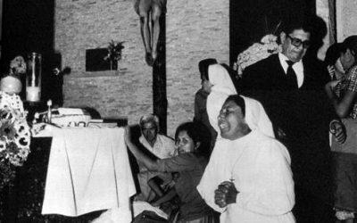 San Salvador, 24 marzo 1980. Disperazione dopo l'assassinio di Oscar Romero.