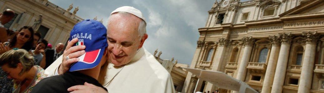 Francesco a Milano. Scola incontra i Rol: «tempo di travaglio, serve conferma nella fede»
