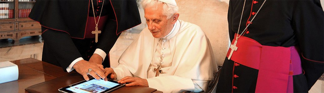 @Pontifex_it al tempo di Francesco. Due Papi, 1.096 tweet e un'infografica