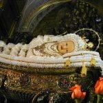 Il simulacro di Maria Bambina nell'omonimo santuario di Milano
