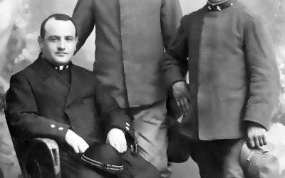 Angelo Roncalli, futuro Giovanni XXIII, con i fratelli Zaverio e Giuseppe. Cappellano militare durante la prima guerra mondiale, oggi è patrono dell'Esercito Italiano. #4novembre