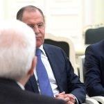 Putin e Mattarella: quando fare gli auguri al Papa è un'arte