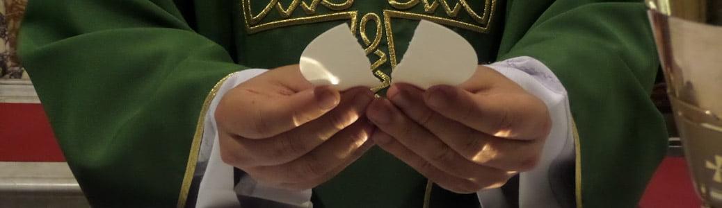 Sacerdote Cristo Messa Eucaristia