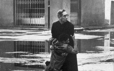 Venezuela, 1962. Padre Luis Marìa Padilla fra le vittime dell'insurrezione militare nota come El Porteñazo. Nel 1963 la foto di Héctor Rondón Lovera vince il Premio Pulitzer. Il mondo, invece, non impara. #Nicaragua