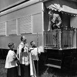 Sarasota, Florida, 1948. Benedizione di una carrozza del circo Barnum. Il circo ha chiuso nel gennaio 2017, dopo 146 anni di attività.