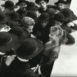 Roma, 1956. Marisa Allasio assediata dai seminaristi? Solo comparse per un film.