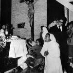 """San Salvador, 24 marzo 1980. Disperazione dopo l'assassinio di Oscar Romero. """"Ucciso perché fatto popolo"""" (David Maria Turoldo)"""
