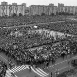 Milano, 22 maggio 1983. Messa di Giovanni Paolo II al quartiere Gallaratese. Le Case Bianche degli anni '80. #PapaMilano2017