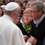 Ulf e Birgitta Ekman incontrano papa Francesco, 9 aprile 2014