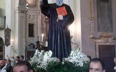 Statua di san Charbel Makhluf, chiesa di Santa Maria della Sanità, Milano