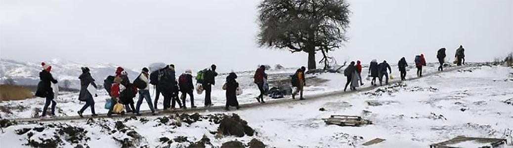 """Migranti lungo la """"rotta alpina"""" tra Italia e Francia"""