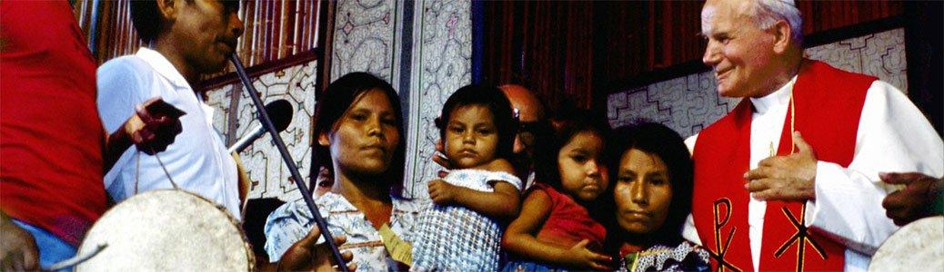 Giovanni Paolo II in Perù: teologia della liberazione e un'alternativa ai preti sposati