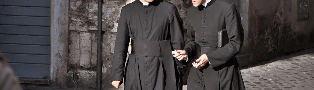 Sacerdoti preti Chiesa cattolica sacramenti
