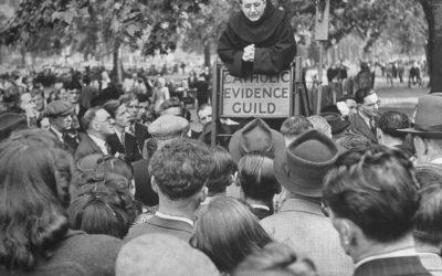 Londra, anni '40. Un membro della Catholic Evidence Guild 'spiega' la fede cattolica a Hyde Park. 2/2
